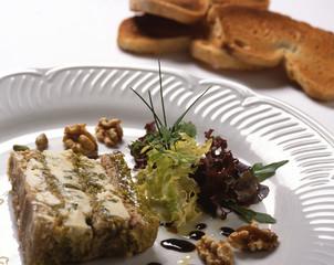 Terrina di roquefort con noci e spinaci