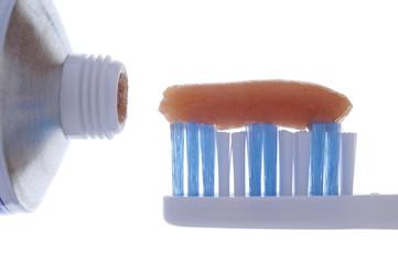 Fertig zum Zähneputzen