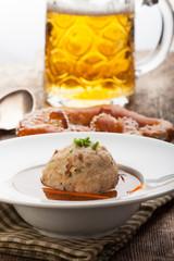 Speckknoedel in Brühe, eine Tiroler Spezialität