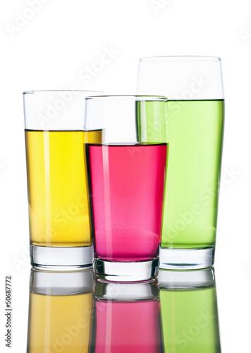 Drei bunte Softdrinks