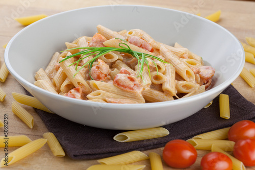 Pasta with salmon and tomatoes