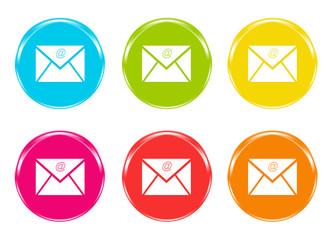 Iconos de colores para la web con el símbolo de email
