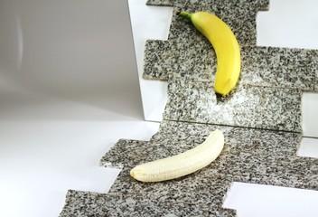 dubioses Spiegelbild einer Banane