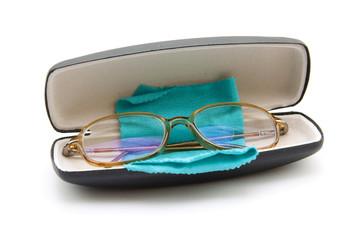 Brille mit Tuch