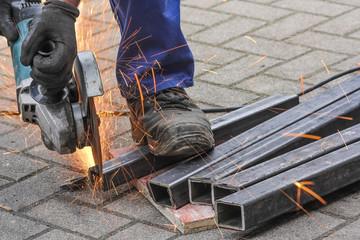 Bauarbeiter, Eisen flexen