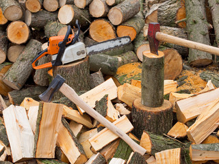Holzarbeiten für den Winter