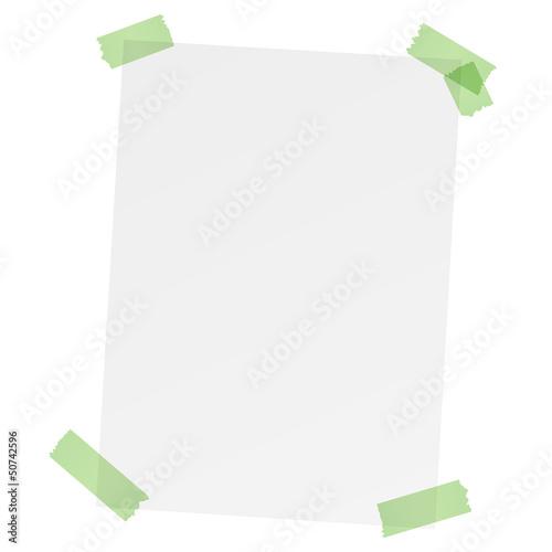 weißer leerer Zettel mit bunten Klebestreifen