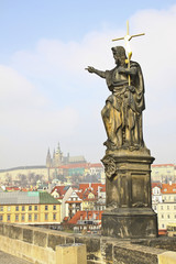 The Karlov bridge is in the center of old Prague