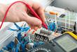 Leinwanddruck Bild - Hand of an electrician