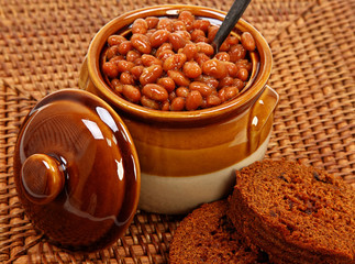 Baked Beans And Brown Bread Setting