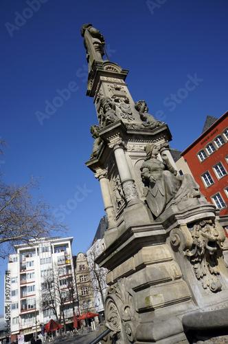Leinwanddruck Bild Jan van Werth-Denkmal auf dem Alter Markt