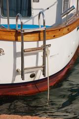 bisogna risalire sulla barca
