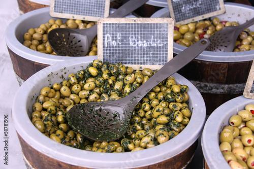 verschiedene oliven zum verkauf