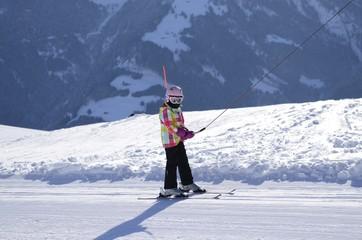 petite skieuse, téléski