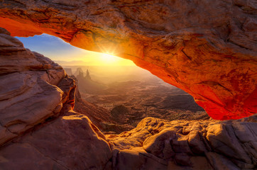 Mesa Arch at Sunrise © dfikar