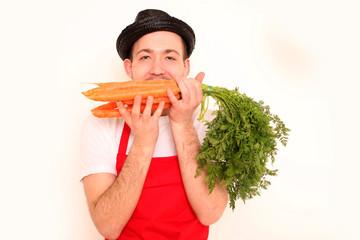 Koch mit Karottenbund
