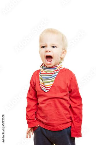 Kleines Kind singt und schreit