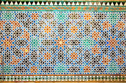 Papiers peints Mur Tiled oriental mosaic wall in the Royal Alcazars of Seville, Spa