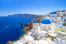 "Постер, картина, фотообои ""White architecture of Oia village on Santorini island, Greece"""
