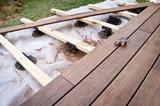 Fototapety Construction d'une terrasse en bois (bambou)