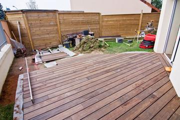 Chantier d'une terrasse en bois