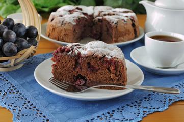 Sponge cake with plum