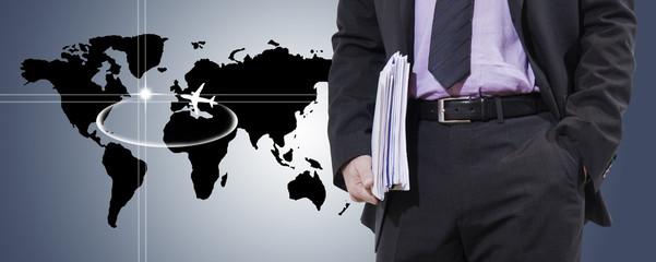 hombre de negocios con mapa