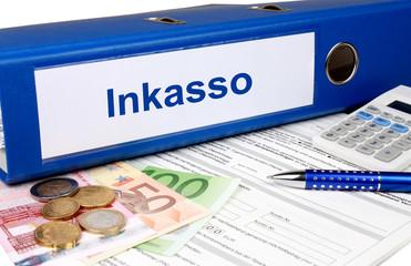 Inkasso Ordner mit Geld und Taschenrechner