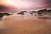 Colores del anochecer en la costa.