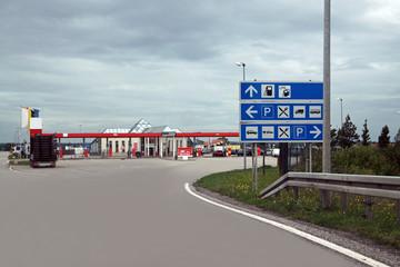 Tankstelle und Raststätte
