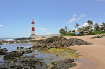 Strand und Leuchtturm in Itapua