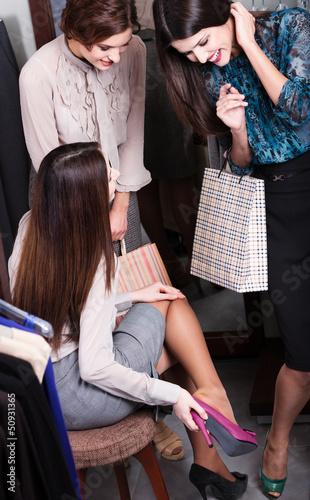 Women talk about new fuchsia shoes