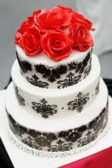 Delicious  black and white wedding cake