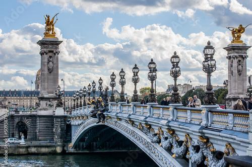 Pont Alexandre III (mostek Alexandre III) w Paryżu