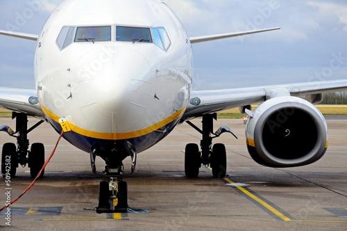 Papiers peints Avion à Moteur Boeing 737-800 Aircraft parked © Arena Photo UK