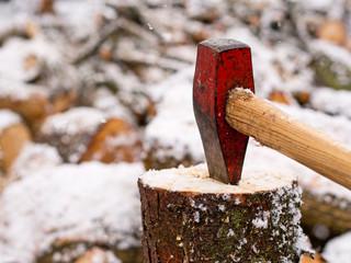 Holzhacken für den Winter