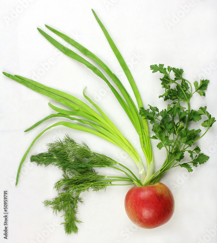 apple with onions, parsley and dill
