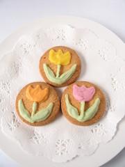 チューリップ模様のクッキー