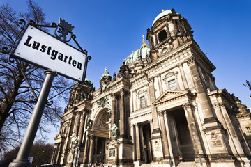 Berliner Dom mit Lustgarten