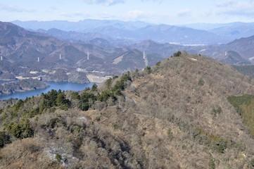 仏果山より高取山を望む