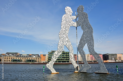 canvas print picture Berlin - Molecule Man in der Spree