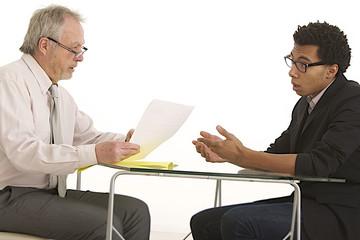 Jeune homme - Entretien d'embauche
