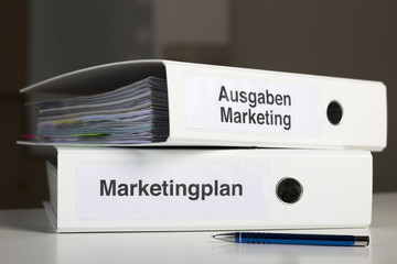 Marketingordner und Ausgaben Marketing