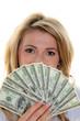 Dollar Geldscheine und Frau
