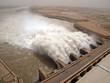 Leinwanddruck Bild - Staudamm Merowe im Sudan - Ausfluss von Wassermassen