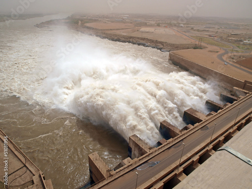 Fotobehang Kanaal Staudamm Merowe im Sudan - Ausfluss von Wassermassen