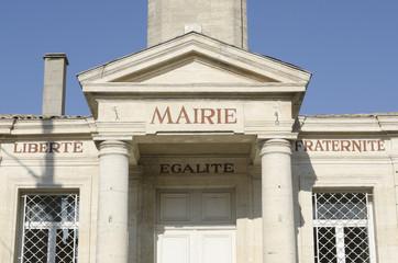 mairie ancienne de village français