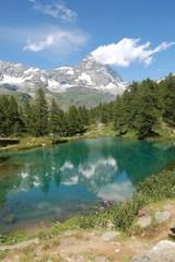 Cervino riflesso sul Lago blu