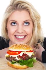 Junge Frau wünscht sich einen Burger