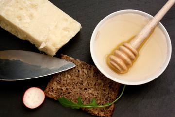 Formaggio e miele